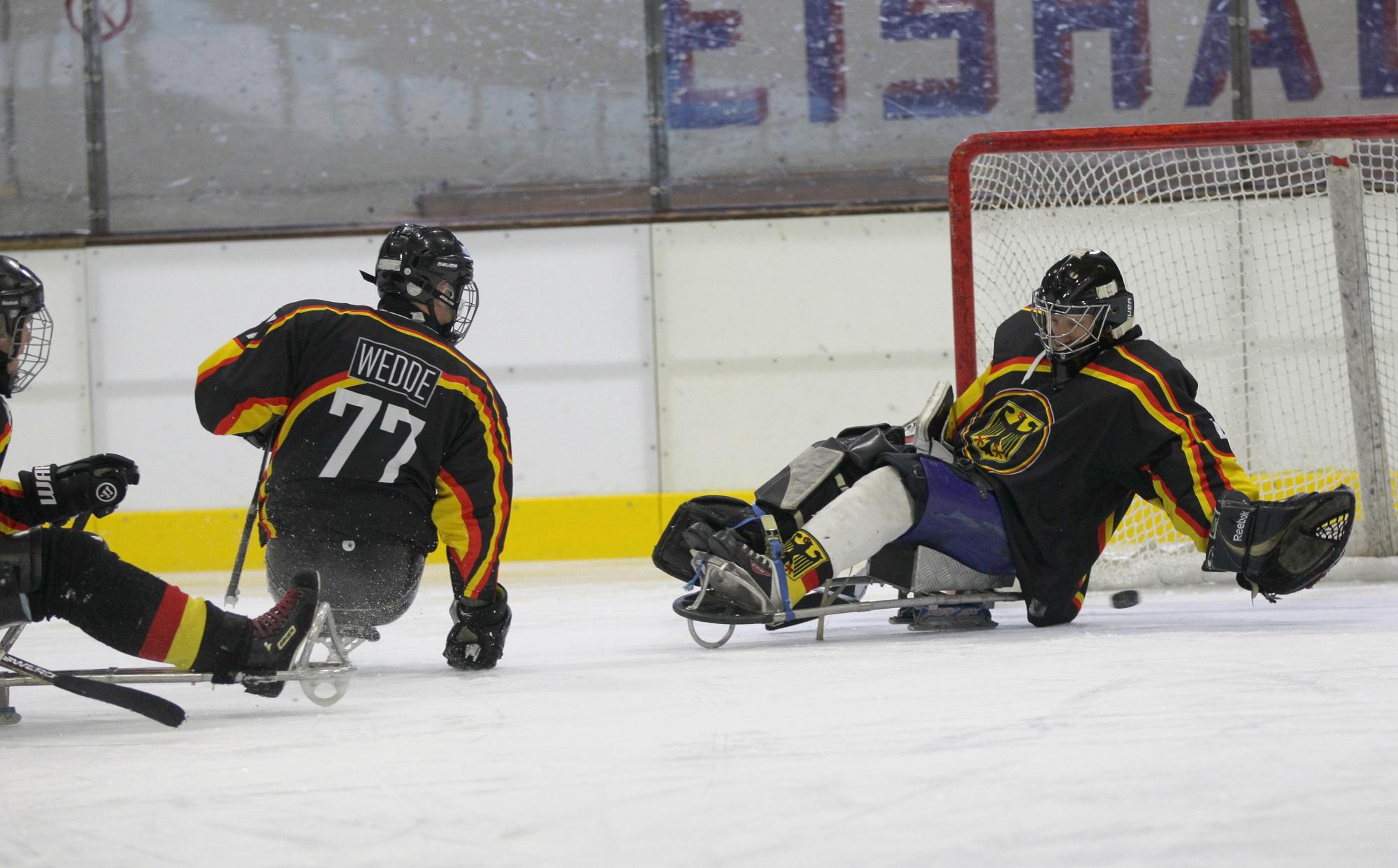 Wichtige Erkenntnisse für den großen Traum / Sledge-Eishockey: Bei den ... - GESUNDHEIT ADHOC (Pressemitteilung)