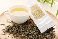 Der Weiße Tee - Silver Needle Yin Zhen oder auch Silbernadel genannt ist wohl der berühmteste und gleichzeitig seltenste Weiße Tee und galt bis vor kurzem noch als teuerster Tee der Welt. Quelle: teaworld.de