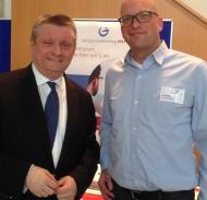 Bundesgesundheitsminister Hermann Gröhe mit DDL-Öffentlichkeitsbeauftragtem Armin Rösl