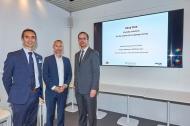 Von links nach rechts: Stéphane Espanasse, Prof. Dr. Christian Haas, Holger Waldhausen (© IVECO BUS)