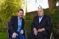 Diekmann (l.) mit dem früheren deutschen Bundeskanzler Helmut Kohl (CDU). Foto: Kai Diekmann