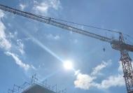 Der AMD der BG BAU bietet Angebotsvorsorgen für Beschäftigte, die bei ihrer Arbeit längere Zeit UV-Strahlen ausgesetzt sind. Quellenangabe: BAU Berufsgenossenschaft der Bauwirtschaft