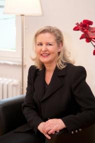 Dr. Kirstin Börchers beantwortet Fragen zur Neufassung der G-BA-Richtlinie. Bild: Marie-Theres Niessalla