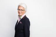 """""""Die Kooperation mit der ATSU ist ein historischer Schritt und wir freuen uns, dass wir künftig von der Expertise unseres US-amerikanischen Partners profitieren können"""" - Professorin Marina Fuhrmann, seit 1994 Vorstandsvorsitzende des Verbandes der Osteopathen in Deutschland und Fachliche Leitung des entsprechenden Bachelor-Studiengangs an der Hochschule Fresenius."""