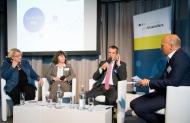 AG Pro Biosimilars-Symposium am 29.09.2015: v.l.n.r.:  MdB Kordula Schulz-Asche (Bün90/Grüne), MdB Martina Stamm-Fibich (SPD), MdB Michael Hennrich (CDU/CSU), Hanno Kautz (BILD)