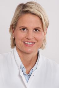 Chefärztin Dr. med. Aviva Raatz leitet nun die Fachabteilung für Innere Medizin I - Allgemeine Innere Medizin, Gastroenterologie, Kardiologie.