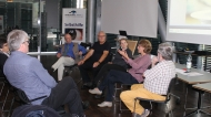 Podiumsgespräch (v.r.): Werner Schatz (Glaukom SHG Stuttgart), Hilde Rutsch (KISS Stuttgart), Rechtsanwältin Dr. Gesine Walz, Dieter Staubitzer (Vorsitzender Bundesverband AUGE), PD Dr. med. Ekkehard Jecht.