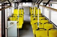"""Der """"Bus des Jahres 2017"""" zeichnet sich durch Handläufe aus einer antimikrobiellen Kupferlegierung aus. Bild: Solaris"""