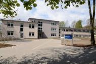 Außenansicht I - Alles unter einem Dach! Im neuen Gebäude sind auf 1700 Quadratmeter alle Therapie-, Werk- und Wohnräume untergebracht.