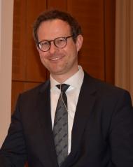 """Spezialist für """"Trockenes Auge"""":  Professor Dr. med. Philipp Steven gab einen hochinteressanten Einblick in eine weithin unterschätzte Augenerkrankung. Foto: BV AUGE e.V."""