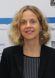 Professorin Dr. med. Julika Loss, Expertin im Bereich Versorgungsforschung, untersuchte am Beispiel AMD, wie sich der Wissenstransfer von der Wissenschaft zum Patienten vollzieht. Foto: BV AUGE e.V.