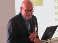 Prof. Dr. Volker Maihack ging in seinem Gastvortrag auf mögliche Lösungsansätze ein