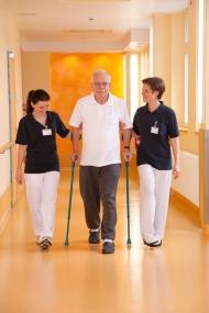 Ein Schwerpunkt der diakonischen Klinik: schmerzarmer und zertifizierter Gelenkersatz