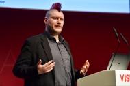 """Sascha Lobo bei seiner Keynote """"Von den kommenden Digital-Schlachten zwischen Künstlicher Intelligenz und Big Data."""", Foto: APOTHEKE ADHOC / Peter van Heesen"""
