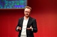 """Thomas Schulz spricht an Tag 2 über """"Zukunftsmedizin. Wie das Silicon Valley Krankheiten besiegen und unser Leben verlängern will"""", Foto: APOTHEKE ADHOC / Peter van Heesen"""
