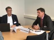 v.l.n.r.: Ulrich Falk (Kaufmännischer Direktor) und Michael Ackermann (Geschäftsführer Klinikum Bielefeld)