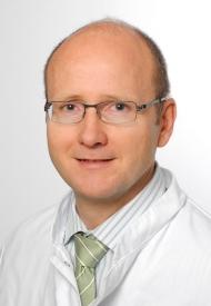 Prof. Dr. Eckard Hamelmann, Chefarzt der Klinik für Kinder- und Jugendmedizin am Evangelischen Klinikum Bethel (EvKB) und 1. Vizepräsident der Deutschen Gesellschaft für Allergologie (DGAKI)
