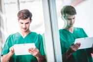 Modular, web- und cloudfähig, das moderne Design orientiert an Apps, responsiv und weitgehend intuitiv – das zeichnet ORBIS U von Agfa HealthCare aus.