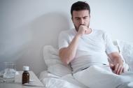 Erkältungssymptome sind in der Regel gut mit nicht-verschreibungspflichtigen Arzneimitteln aus der Apotheke behandelbar. (Quelle: Shutterstock/tommaso79)