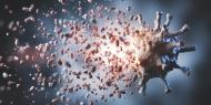 Das Ziel: Das Virus bekämpfen. Dafür forschen weltweit Wissenschaftlerinnen und Wissenschaftler der pharmazeutischen Industrie (Quelle: Shutterstock/ PHOTOCREO Michal Bednarek). Hinweis: Die Verwendung des Fotos ist unter der Quellenangabe Shutterstock/PHOTOCREO Michal Bednarek und in Verbindung mit der Pressemeldung honorarfrei.