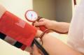 Nur wer seine Blutdruckwerte im Blick hat, kann einem eventuellen Bluthochdruck rechtzeitig entgegenwirken, so KfH-Vorstandsvorsitzender Prof. Dr. med. Dieter Bach.