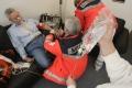 Notfall im Karneval - auch ein Schlaganfall könnte die Ursache sein. Die Verwendung dieses Bildes ist für redaktionelle Zwecke honorarfrei. Veröffentlichung bitte unter Quellenangabe: Stiftung Deutsche Schlaganfall-Hilfe