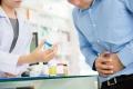 Vor-Ort-Apotheken helfen bei leichten Erkrankungen weiter. (Quelle: Shutterstock/Atstock Productions)
